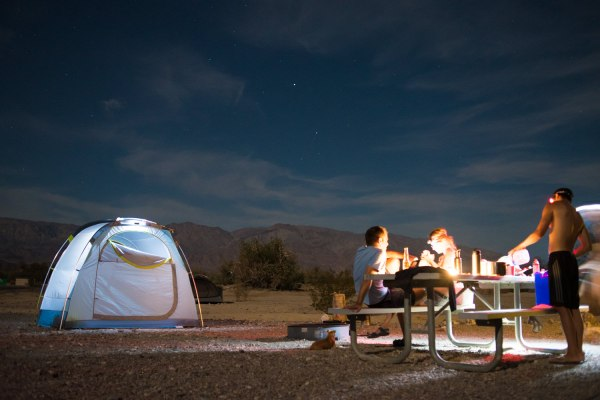 Kamp u Death Valleyju (Foto: Mark Christy)