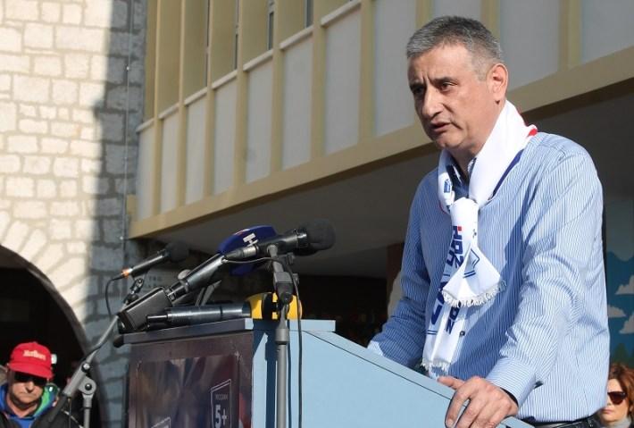 HDZ - Tomislav Karamarko na predizbornom skupu u Šibeniku (Foto H. Pavić) (7)