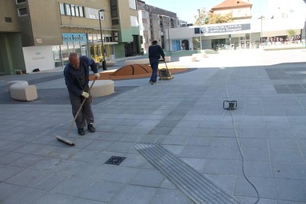 Taktilna staza na Trgu Dražena Petrovića88