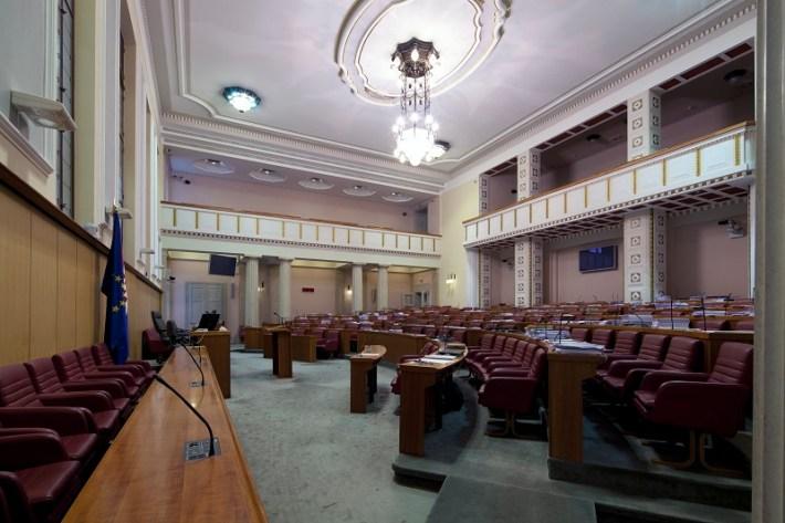 Sabornica, 153 zastupnička mjesta, tri galerije, sustav elektroničkog glasovanja te audio i video snimanja (Foto: Hrvatski sabor)