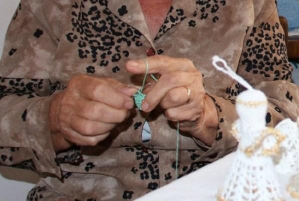 Vrijedne ruke bake Jerke (Foto: Petar Grgurev)
