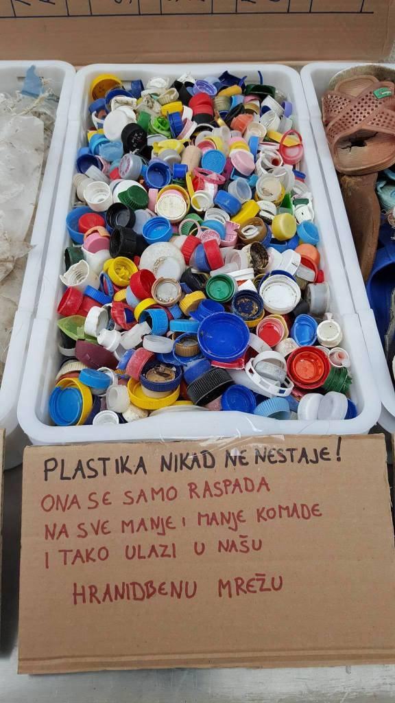 Jedemo plastiku