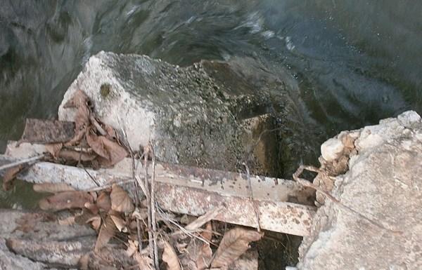 Urušeni nosač mosta