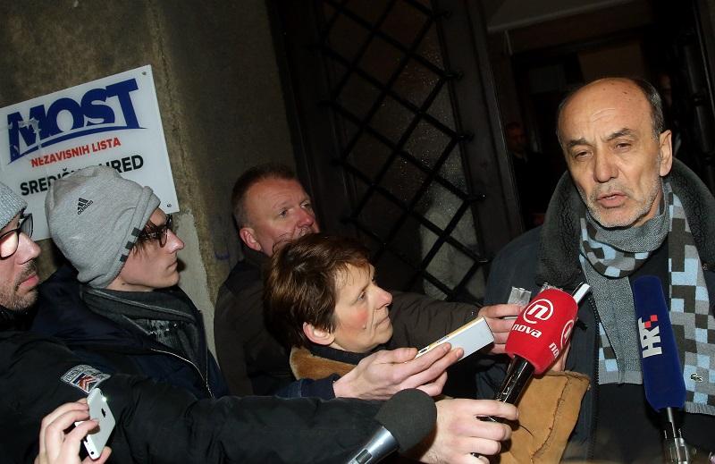 U-prostorijama-Mosta-u-Zagrebu-nastavljen-je-razgovor-stručnih-timova-Mosta-HDZ-ove-Domoljubne-koalicije-i-SDP-ove-koalicije-Hrvatska-raste-Juro-Martinović-Lana-SLIVAR-DOMINIĆ.