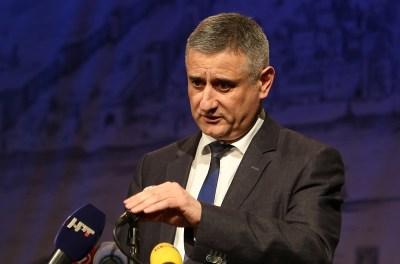Karamarko: Najbolje da iz Vlade odemo premijer Orešković, Petrov i ja