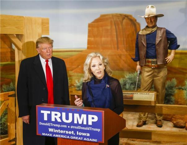 Donald Trump i John Wayne (foto HINA)