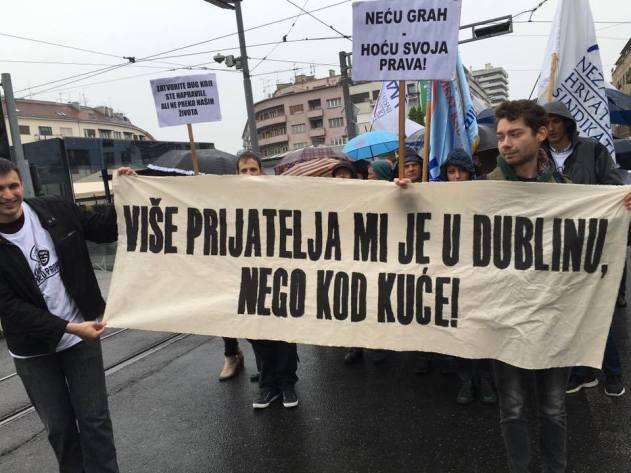 Transparent koji govori 'više od riječi' (foto Facebook)