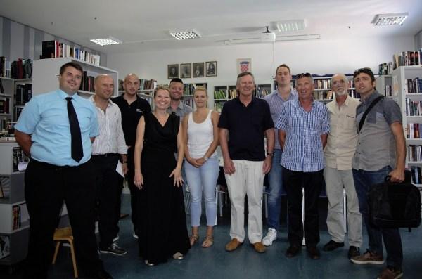 Zajednička fotografija svih vijećnika s načelnikom i njegovim zamjenikom (Foto: H. Pavić)