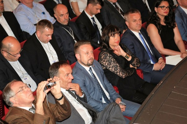 U publici je bio i potpredsjednik Hrvatskog sabora (Foto: Tris/H. Pavić)