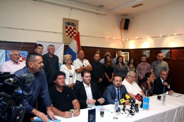 """Sveèano potpisivanje Sporazuma stranaka èlanica """"Domovinske koal"""