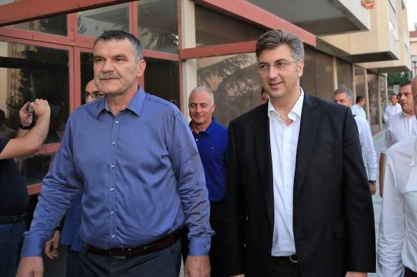 Nediljko Dujić s predsjdnikom HDZ-a Andrejem Plenkovićem (Foto: Tris/H. Pavić)