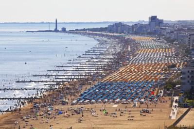 Jesolo sa svojom 15-km plažom (foto www.jesolo.it)