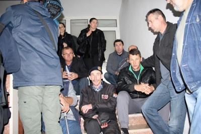 Danas pred vratima Državnog ureda ua obnovu i stambeno zbrinjavanje u Kninu (Foto: tris/H. Pavić)
