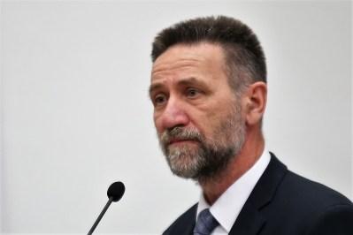HNS pokrenuo postupak izglasavanja povjerenja ministru Barišiću