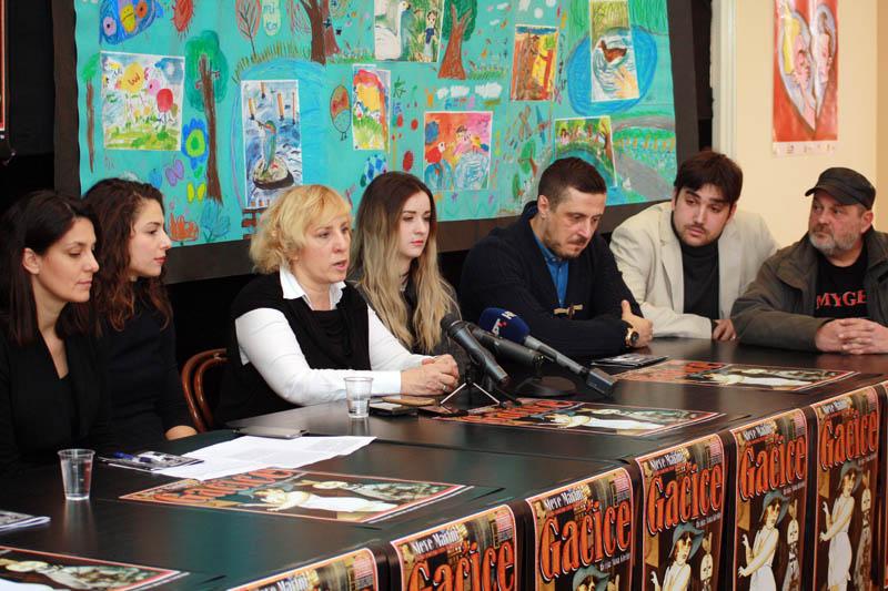 Ekipa predstave danas pred novinarima (Foto: Jozica Krnić)