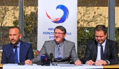 Na slici :Hrvoje Zekanović, Anđelko Matov i Nikica Penđer/Foto:Tris/J.Krnić
