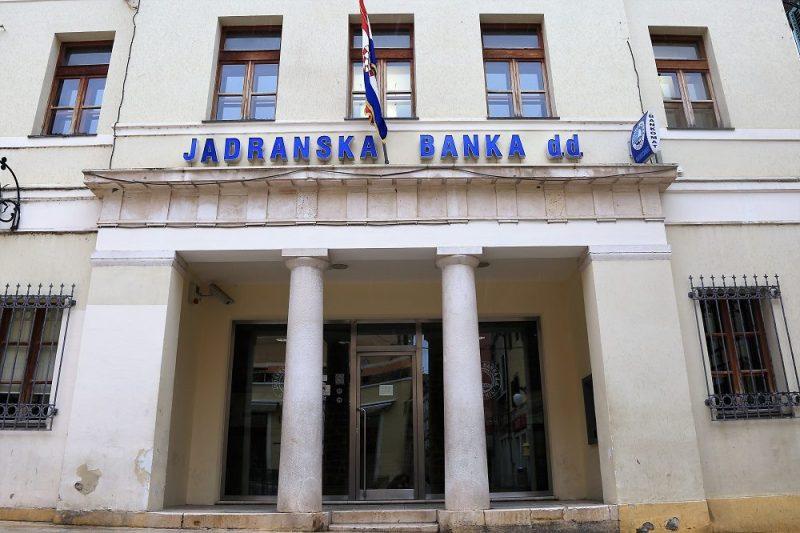 Pet investitora zainteresirano za kupnju Jadranske banke