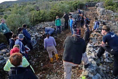 Suhozidari volonteri u PP Vransko jezero