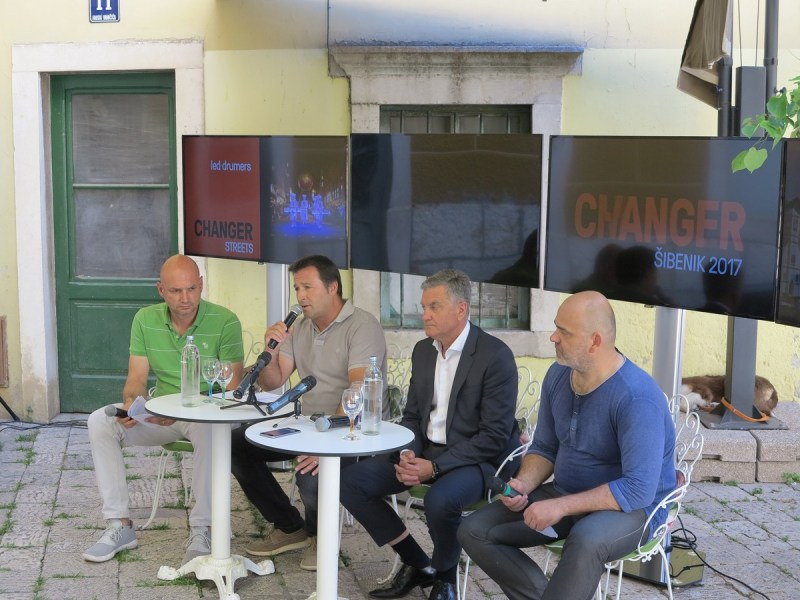Konferencija za novinare, moderna