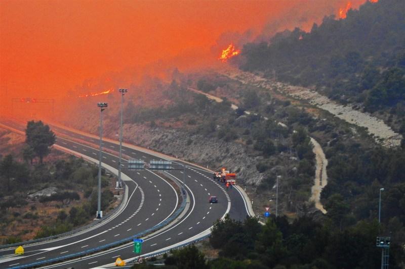 Autocesta u dimu (foto TRIS/G. Šimac)