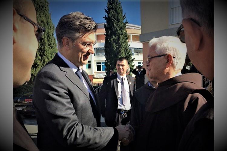 Premijer lani u Međugorju (foto Vlada RH)