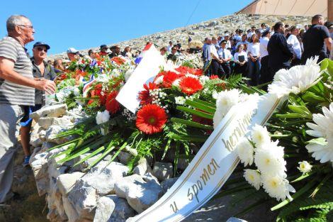 Vijenci su ostali (foto TRIS/Jozica Krnić)