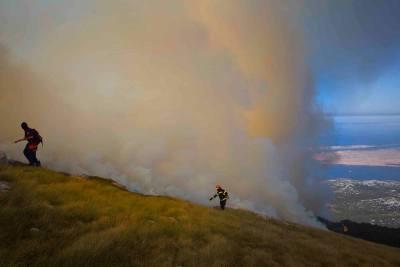 Požar na Velebitu (foto Hrvoje Polan)