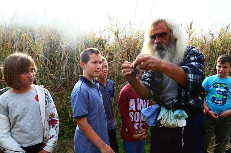 Djeca uče prsotrnovanje ptica foto (PP Vransko jezero)