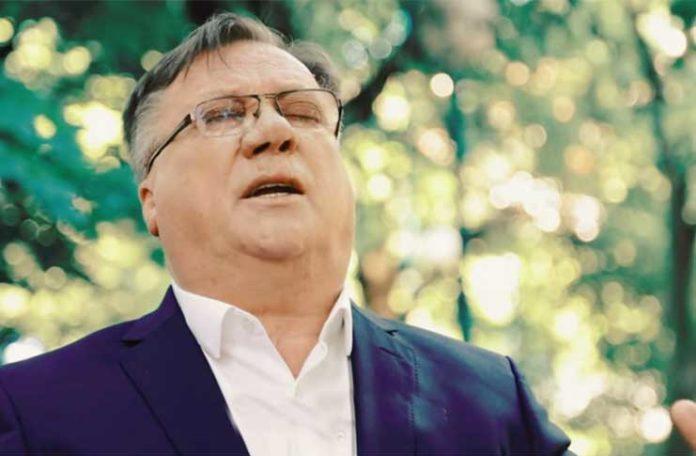 Halid Bešlić: Masiraj da diše.. (foto printscreen)'