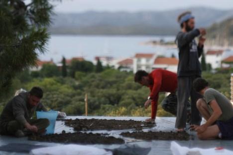 11. Pličina Mijoka. prosijavanje pijeska (R. Mosković)