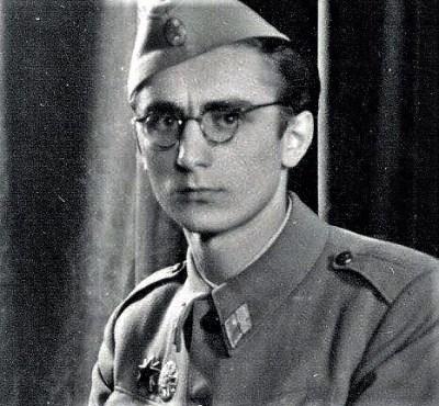 Franjo Tuđman iz vremena kada su zvijezda petokraka i srp i čekić bili uobičajena pojava na njegovoj uniformi