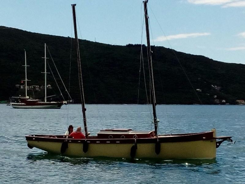 Ostvarenje sna: Rambo Amadeus zaplovio svojim solarnim jedrenjakom