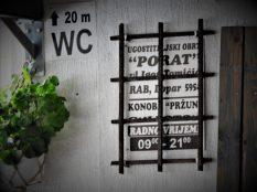 Ukras na zidu restoran(foto TRIS/G. Šimac)a