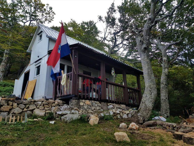 Marljivi HPK Sv. Mihovil: Novo planinarsko sklonište 'Zlatko Prgin' na Dinari