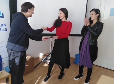 Vesela primopredaja diploma - foto EUKK
