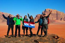 Mihovilci na početku đira kroz Wadi Rum - Tome, Goran, Anđela, Luca, Nina i Joso
