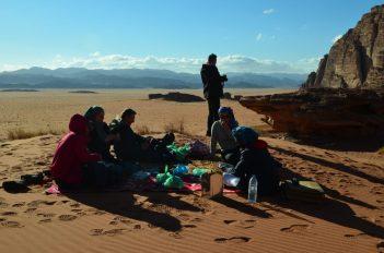 Sa Awdehom na njegovom posebnom mjestu u pustinji (foto: Joso Gracin Joka/Nina Živković)