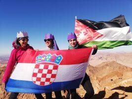 Tri kraljice na najvišem vrhu Jordana Jabal Umm ad-Dami. Luca, Nina i Anđela(foto: Joso Gracin Joka/Nina Živković)