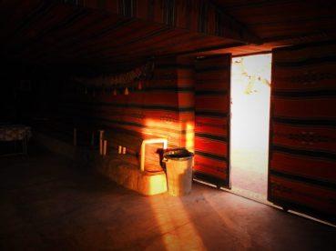 U šatoru (foto TRIS/G. ŠIMAC)