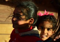Hadidove kćeri u beduinskom kampu (foto Joso Gracin)