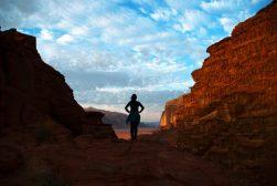 Nina u pustinjsko predvečerje (foto Joso Gracin)
