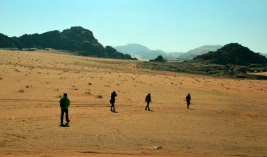 U koloni kroz pustinju (foto Joso Gracin)