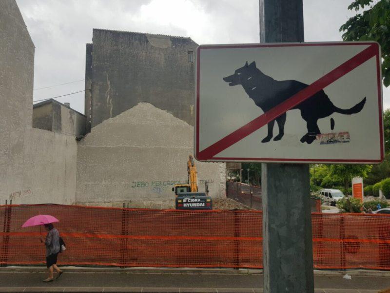 Razgradilište n mjestu bivšeg kulturnog spomenika kina Teskla kojeg je srušio 'poduzetnik' Jolly (foto TRIS)
