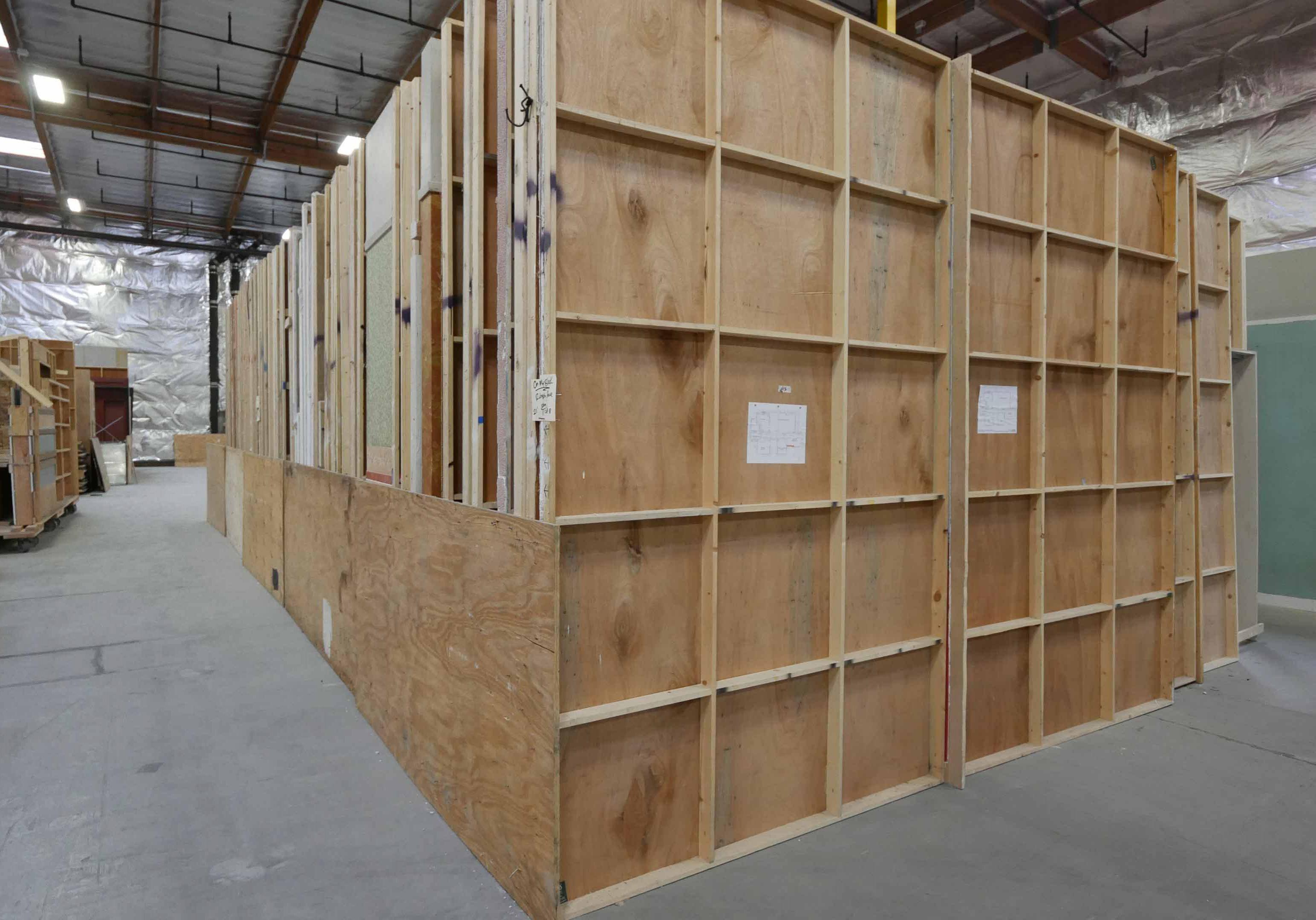 Set-Scenery-Storage-2