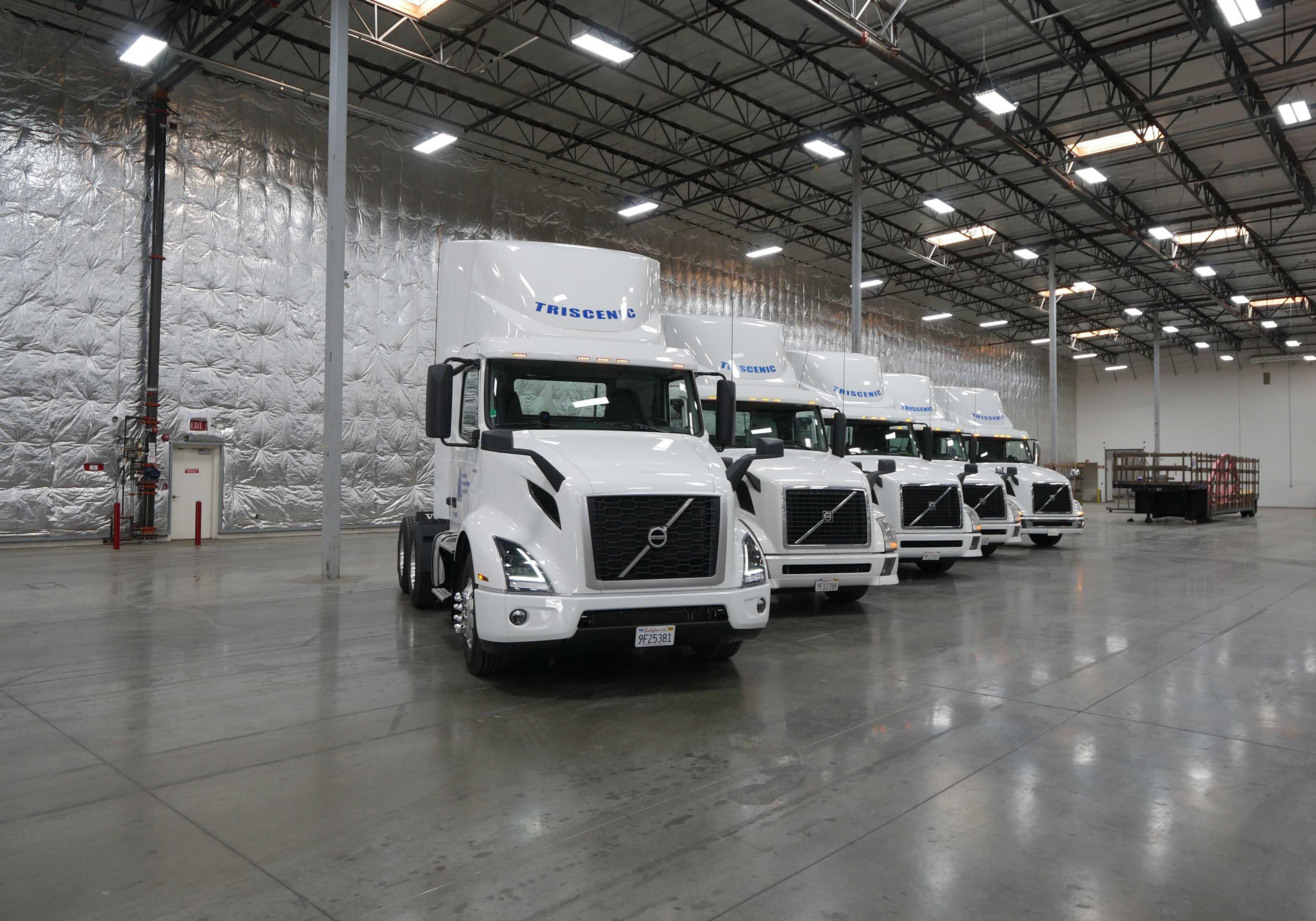 Triscenic-Tractors-Trucks-2