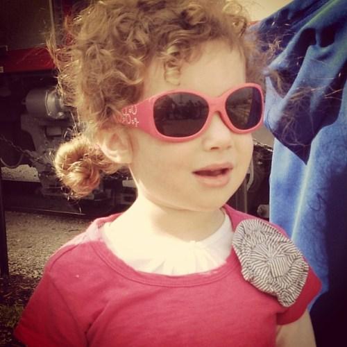 Johanna in pink sunglasses