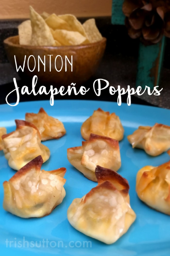 Wonton Jalapeño Poppers Recipe. A must try appetizer for Taco Tuesday, Cinco de Mayo and lunch!