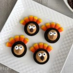 Simple Thanksgiving Cookies | Adorable Turkey OREOs; TrishSutton.com