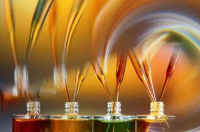 Que es la aromaterapia y los aceites esenciales