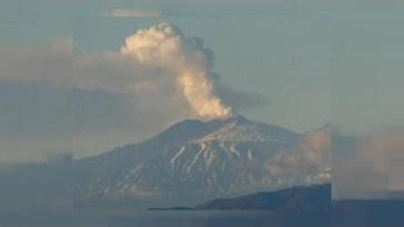Il mistero dei due vulcani. Etna e Stromboli in eruzione forse per salutare Franco Battiato